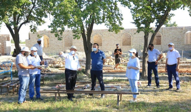 A Working Group studies the ongoing work on tourism development in Bukhara region