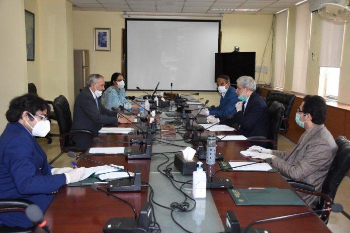 Iran-Pakistan agree to further strengthen economic ties despite coronavirus