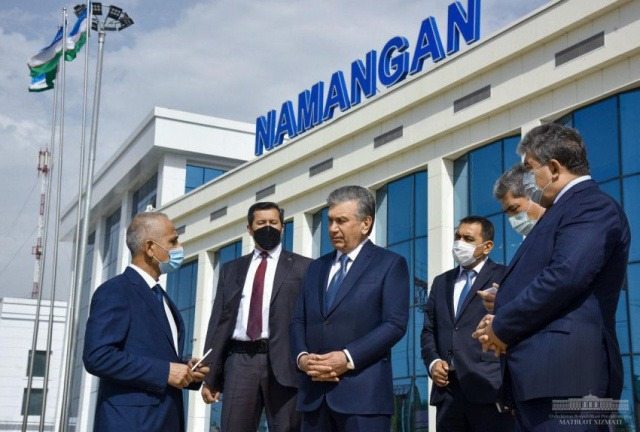President becomes familiar with Namangan Railway Station