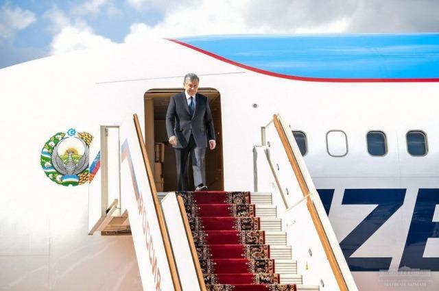 President of Uzbekistan arrives in Moscow