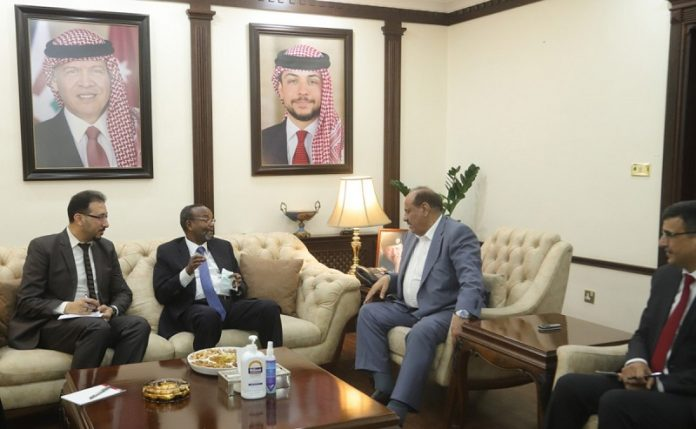 Interior minister affirms Jordan's commitment to enhancing cooperation with UNRWA