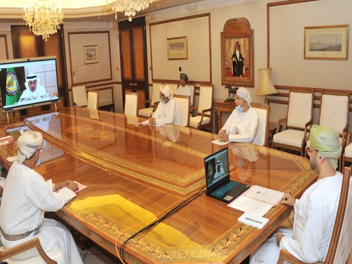 Oman participates in GCC committee meeting tasked with following up stages of joint work