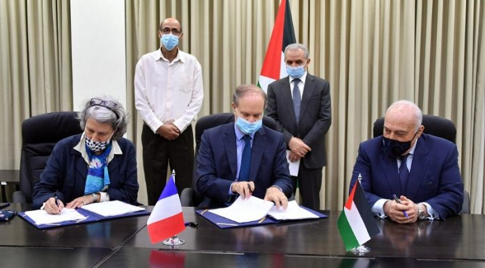 Palestine, France sign €10 million agreement on health, water and civil society