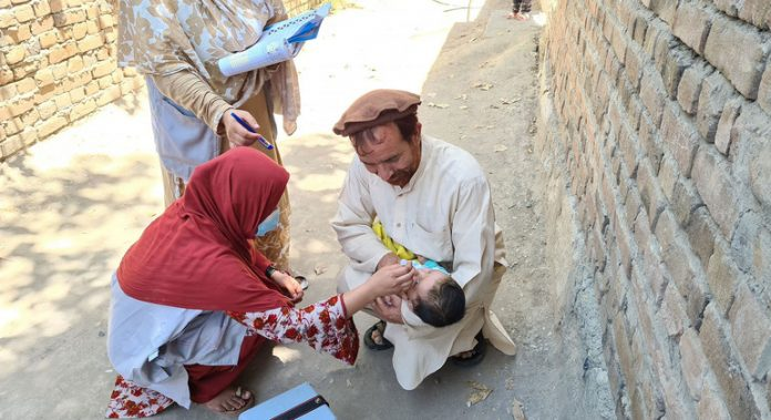 Polio vaccination campaigns restart in Afghanistan and Pakistan after COVID-19 hiatus