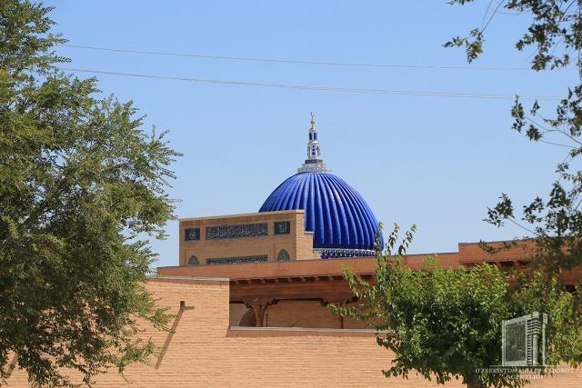 Tour to the architectural memorial complex in Nurata