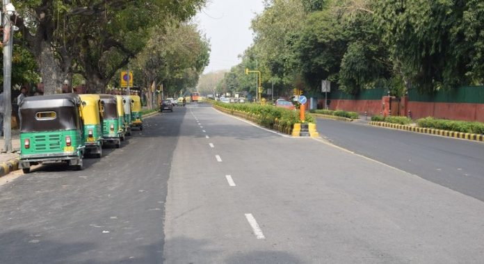 India: UN expert raises alarm over mass evictions of Delhi railway track dwellers
