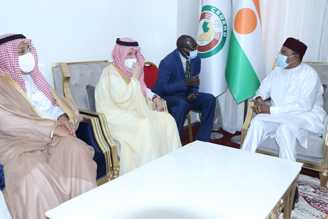 Nigerian President receives Saudi Minister of State for African Countries' Affairs