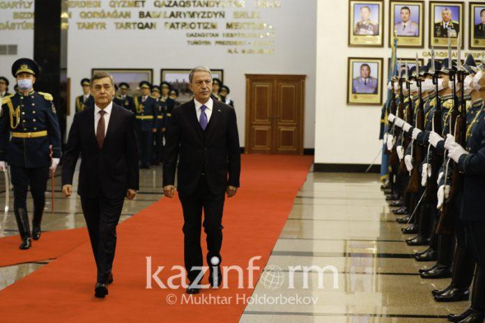 Kazakh, Turkish defense ministers hold talks in Nur-Sultan
