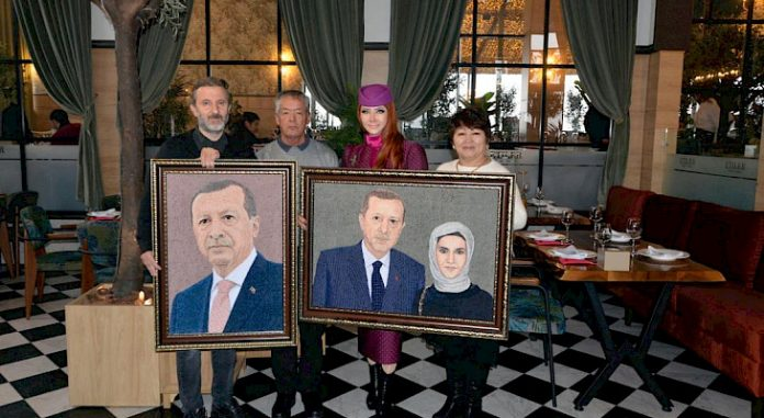 Kyrgyz artist creates portraits of Turkish president and his wife from threads