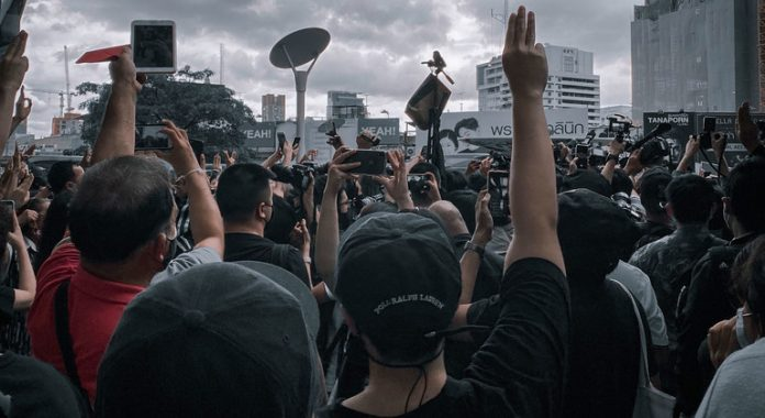Thailand: UN rights office deeply troubled by treason charges for protestors