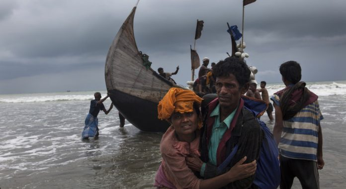 Rohingya refugees: UN agency urges 'immediate rescue' to prevent tragedy on Andaman Sea