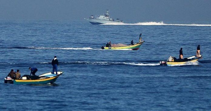 Israeli navy targets Palestinian fishing boats off Gaza coast
