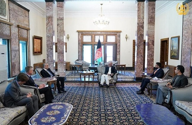 President Ghani discuss Afghan peace process with German and Italian ambassadors