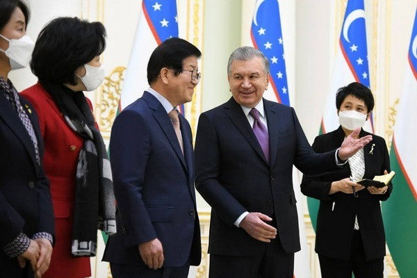 President of Uzbekistan receives parliamentary delegation from South Korea