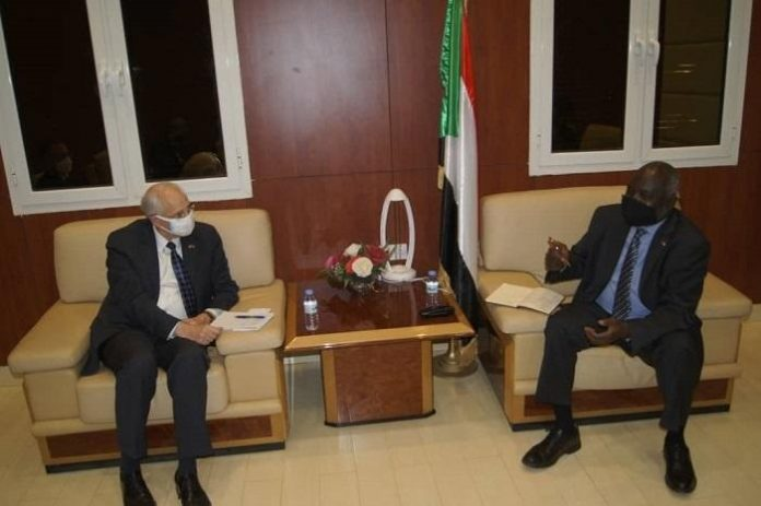 Sudanese finance minister, US envoy discuss requirements for Western banks to operate in Sudan
