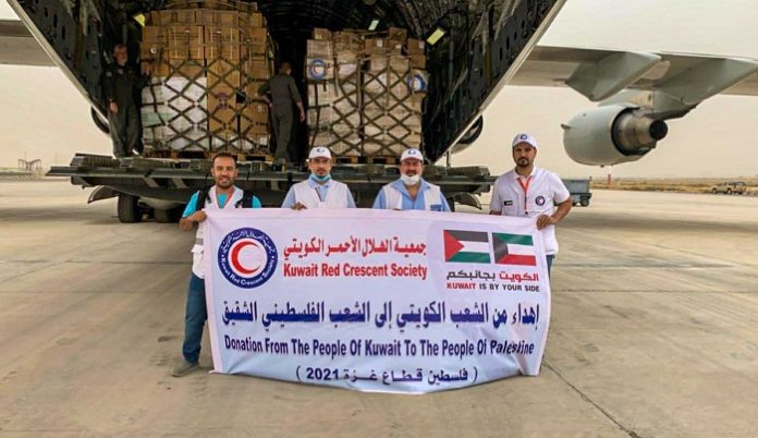 Kuwaiti relief plane flying to Egypt to deliver medical aid to Gaza