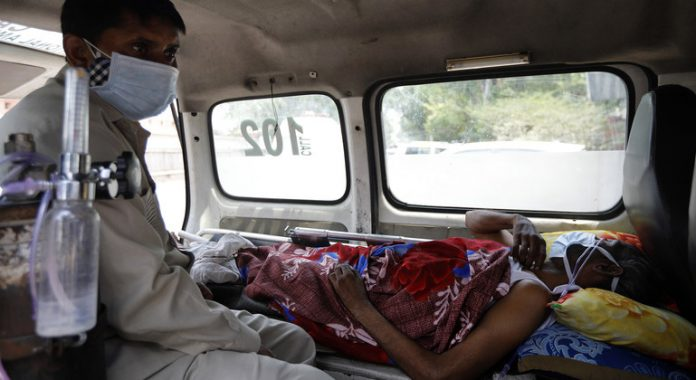 South Asia: 'Real possibility' health systems will be strained to a breaking point, UNICEF warns