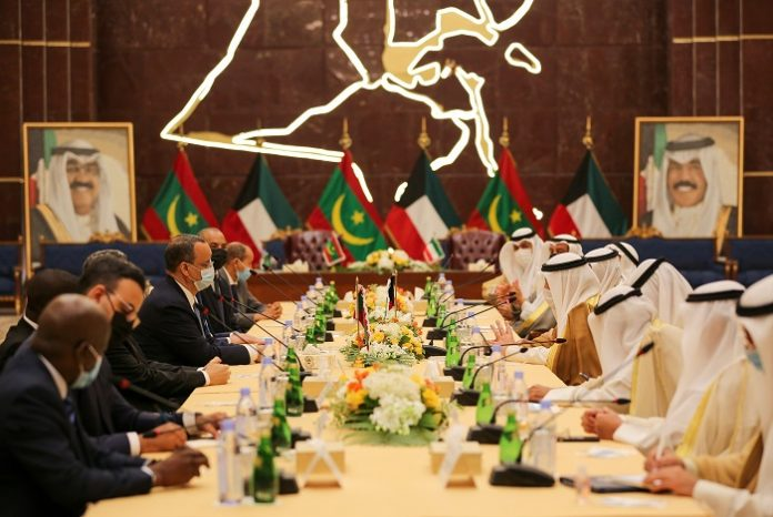 Kuwaiti, Mauritanian officials hold talks to boost bilateral cooperation