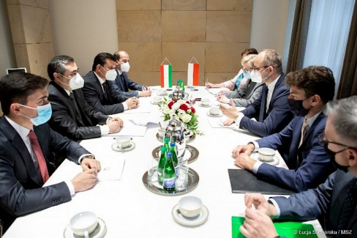Tajikistan, Poland hold first round of political consultations