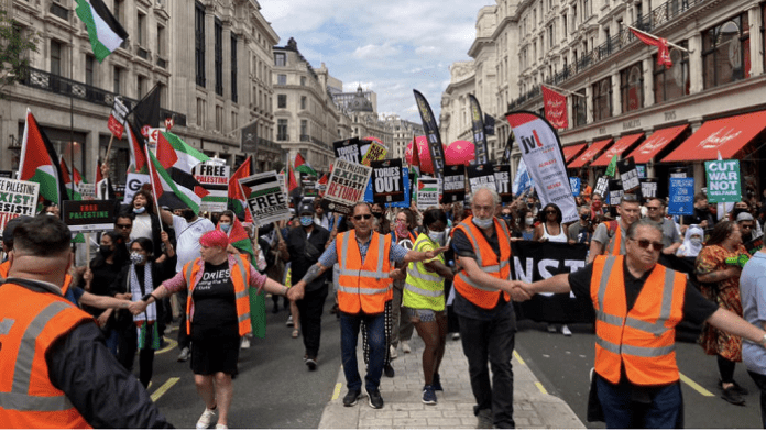 Thousands of protesters in London demand freedom for Palestine