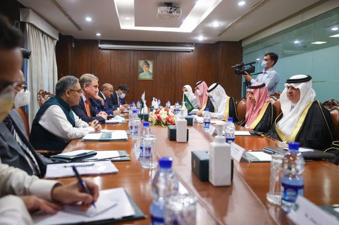 Pakistan's FM, Saudi counterpart discuss expanding bilateral cooperation, coordination