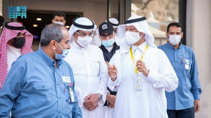 Saudi energy and Hajj ministers inspect electrical services in holy sites