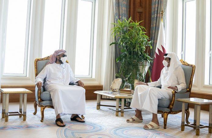 Emir of Qatar receives UAE delegation led by National Security Adviser