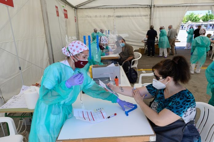 Worldwide coronavirus cases cross 203.9 million