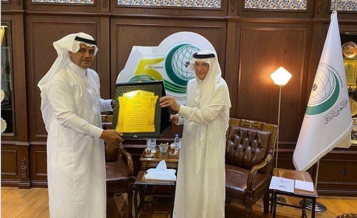 OIC Secretary-General receives UNA Director-General